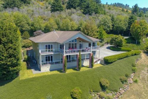 Seaside Vista - Brookings, OR Vacation Rental