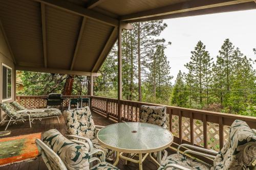 Shades Of Summer - Groveland, CA Vacation Rental
