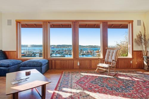 Bayfront House - Newport, OR Vacation Rental