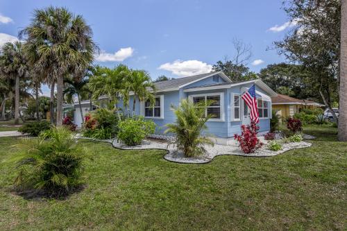 Bonita Cottage II - Bonita Springs, FL Vacation Rental