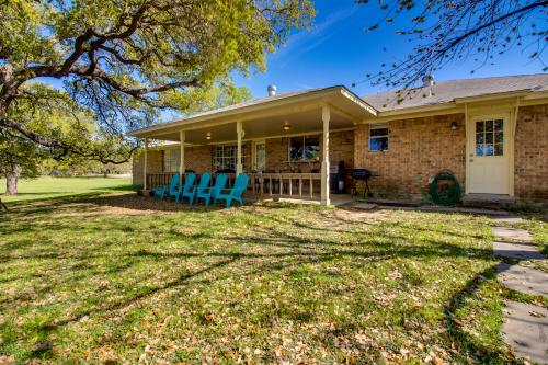 Lone Star Retreat - Kingsland, TX Vacation Rental