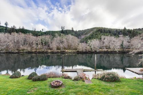 Resting River Lodge - Lincoln City, OR Vacation Rental