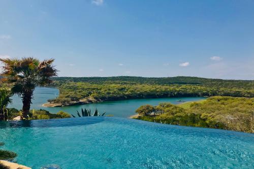 Sunset Villas North Lake Travis - Lago Vista, TX Vacation Rental