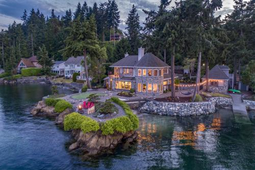The Castle on Little Big Point - Port Orchard, WA Vacation Rental