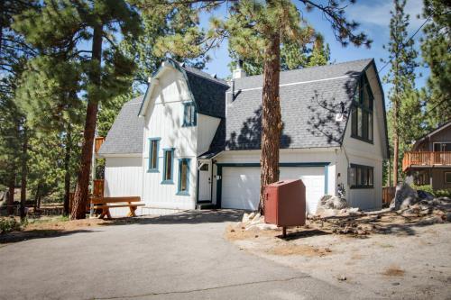 Mountain Peak Chalet  - South Lake Tahoe Vacation Rental - Photo 1