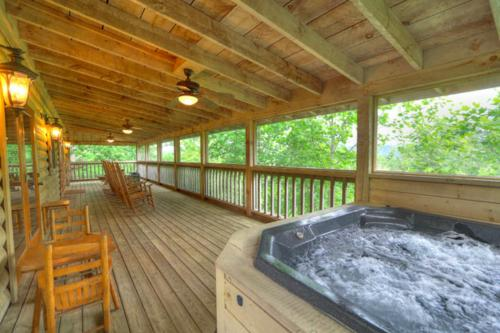 Fantasy Mountain View - Sevierville, TN Vacation Rental