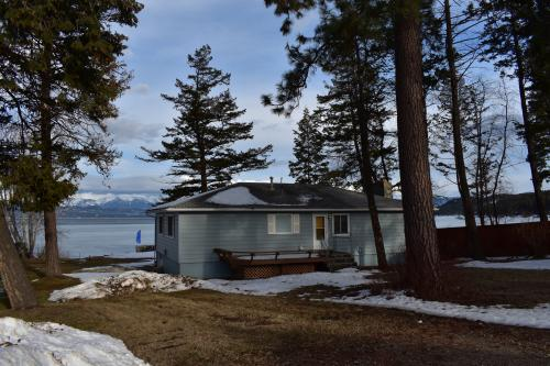 Flathead Lake Getaway Blue - Lakeside, MT Vacation Rental