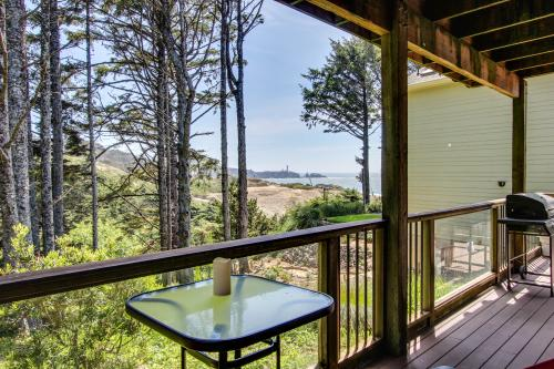 Yaquina Lighthouse View Beach Home - Newport, OR Vacation Rental