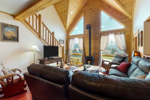 Fox Hollow Lodge - Leavenworth, WA Vacation Rental
