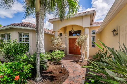 Southern Comfort on the Canal - Cape Coral, FL Vacation Rental