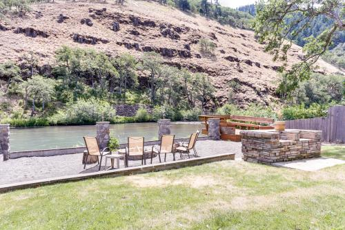 Klickitat Riverfront: The Chinook (#2) - Klickitat, WA Vacation Rental