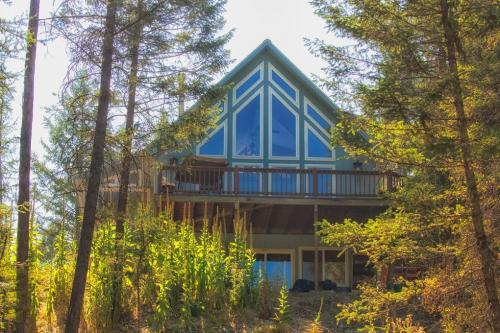 Tamarack Lake Home - Kalispell, MT Vacation Rental