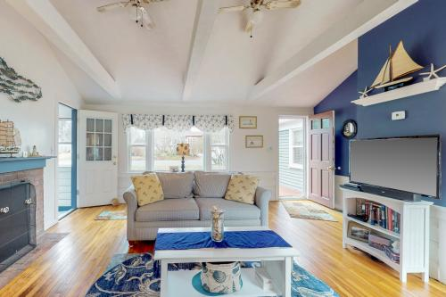 The Cape House - Hyannis, MA Vacation Rental