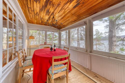 Silver Lake Waterfront Getaway - Madison, NH Vacation Rental