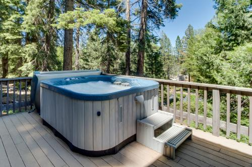 Tahoe City Central -  Vacation Rental - Photo 1