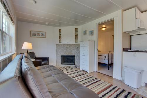 Hidden Villa Cottage #2 - The Shell Cottage - Cannon Beach, OR Vacation Rental