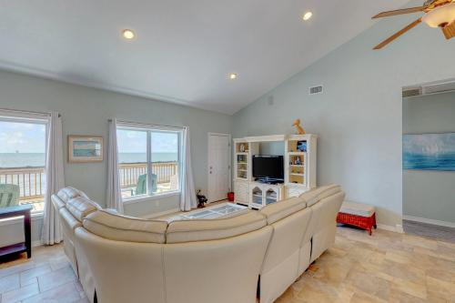 5 O'Clock Somewhere - Dauphin Island, AL Vacation Rental