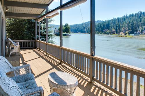 Kidd Island Lakefront Gem -  Vacation Rental - Photo 1