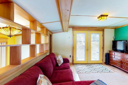 Pink Lady - Greenville, ME Vacation Rental