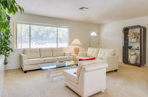 El Paseo Gateway -  Vacation Rental - Photo 1