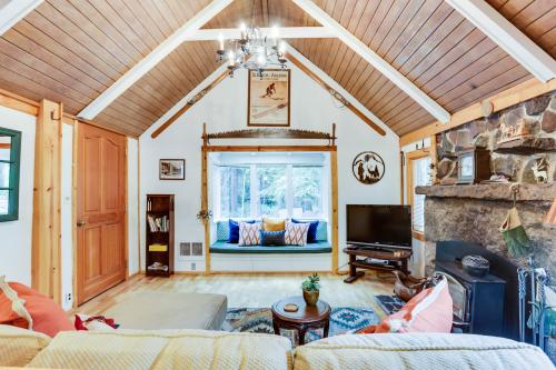 Tom's Creek Haus - Government Camp, OR Vacation Rental