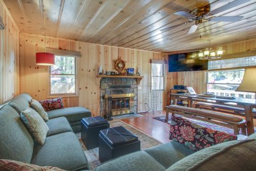 Cozy Bobby Grey Manor -  Vacation Rental - Photo 1
