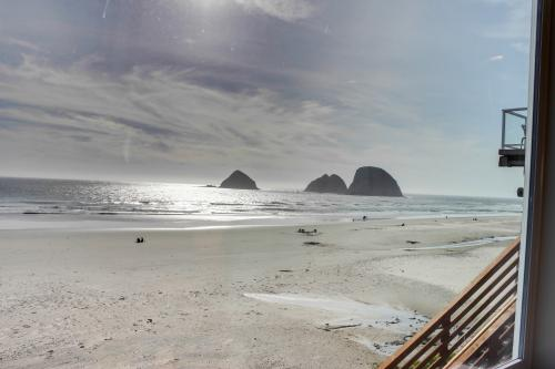 Storm Rock #4 - Oceanside, OR Vacation Rental