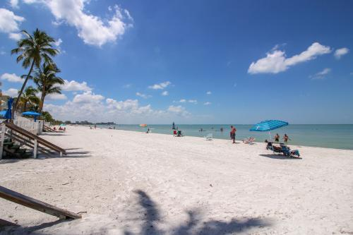 Ft. Myers Beach Cottage - Fort Myers Beach, FL Vacation Rental