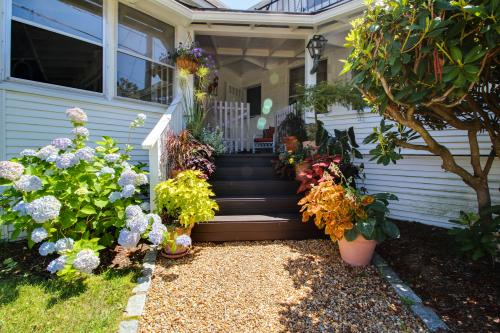 The Samoset  - Oak Bluffs, MA Vacation Rental