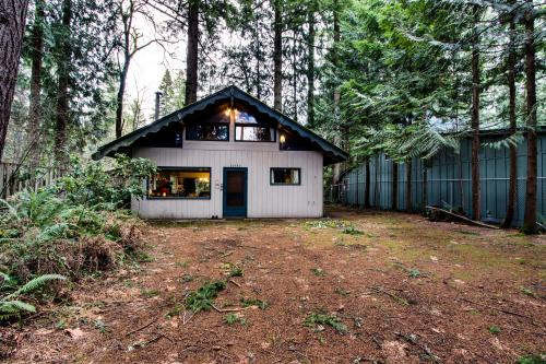 Retreat on the Salmon - Brightwood Vacation Rental