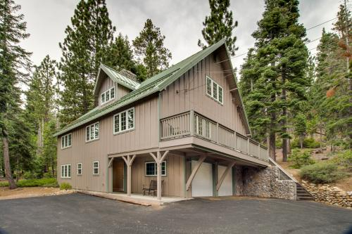 Tahoe Park Heights Family Retreat - Tahoe City, CA Vacation Rental