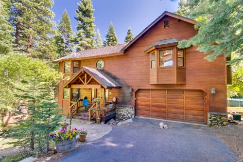 Tahoe Lakeview Lodge - Carnelian Bay, CA Vacation Rental