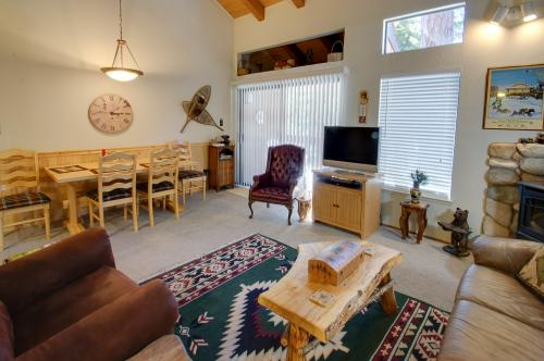 Carnelian Woods Charm - Carnelian Bay Vacation Rental