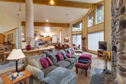 18th Fairway Northstar Mountain Retreat - Truckee, CA Vacation Rental