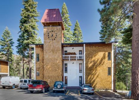 Scott Peak Slopeside Condo-Dog Friendly - Alpine Meadows, CA Vacation Rental