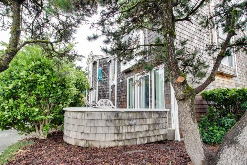 Beaches Inn | Sand Dune Townhouse - Cannon Beach, OR Vacation Rental