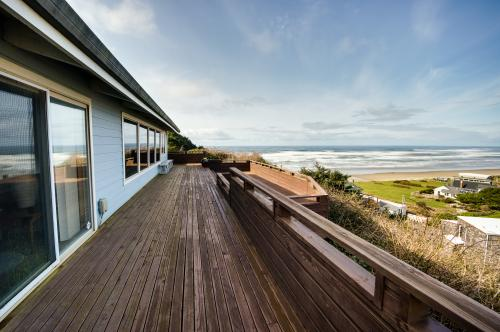 Cape Meares Ocean Vista - Cape Meares, OR Vacation Rental