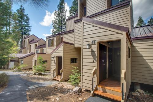 Carnelian Woods Treasure - Carnelian Bay, CA Vacation Rental