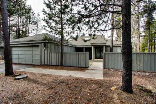 16 Lassen Lane - Sunriver, OR Vacation Rental