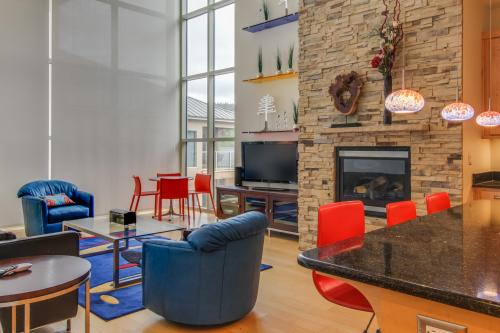 Contemporary Living at The Lofts w/ hot tub! - Brian Head, UT Vacation Rental