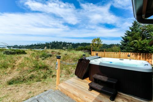 Bay Bridge Beach House - Waldport, OR Vacation Rental