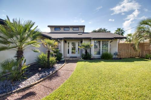 Executive Canal Home and Dock - Gulf Breeze, FL Vacation Rental