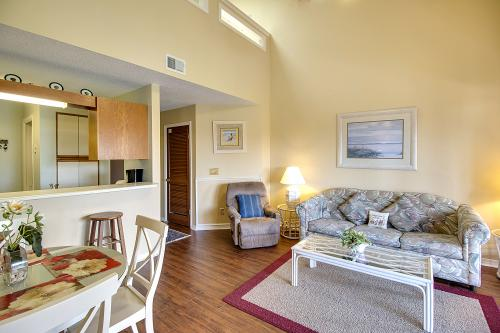 The Inn at St. Thomas Square #514 - Panama City Beach, FL Vacation Rental