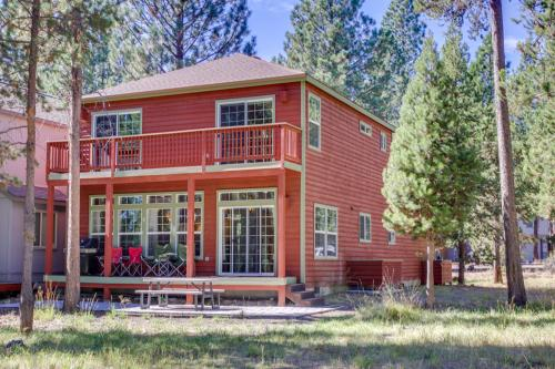 Riverhouse 1 at River Meadows Sunriver - Sunriver, OR Vacation Rental