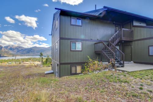 Grand lake vacation rentals cabin rentals vacasa for Grand lake colorado cabin rentals