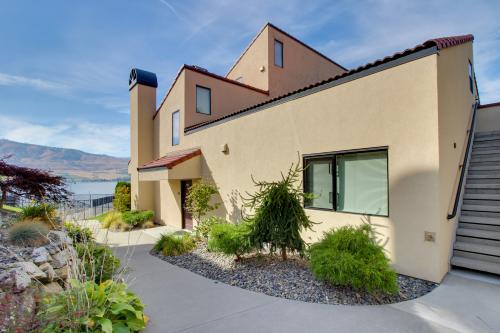 Lake Chelan Shores: Fun in the Sun (#13-1) -  Vacation Rental - Photo 1
