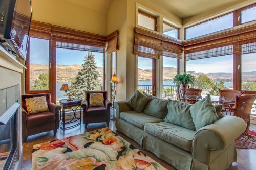 Chelan Resort Suites: Mountain Marvel Retreat (#412) -  Vacation Rental - Photo 1