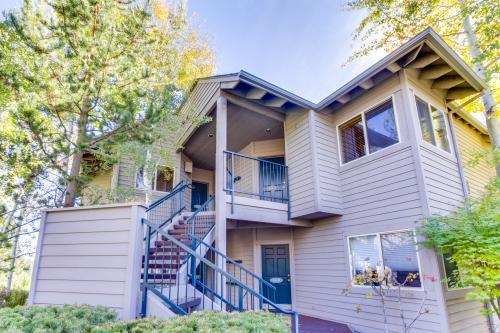 Mt Bachelor Village Riverfront 2 Bedroom  #416A - Bend, OR Vacation Rental