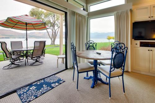 Lake Chelan Shores: Water's Edge Escape (#2-2) -  Vacation Rental - Photo 1