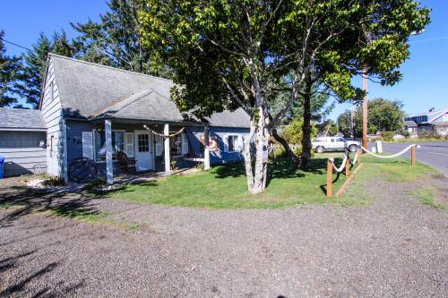 Johnson's Crab House - Waldport, OR Vacation Rental